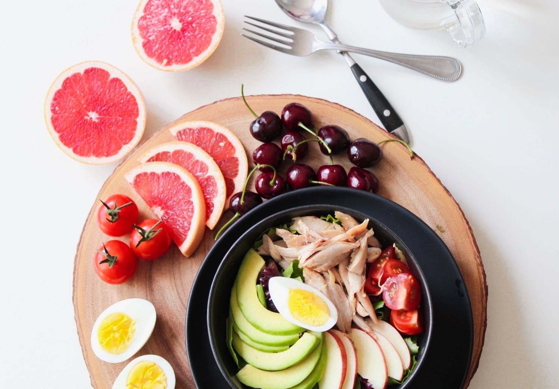 grapefruit salad meal